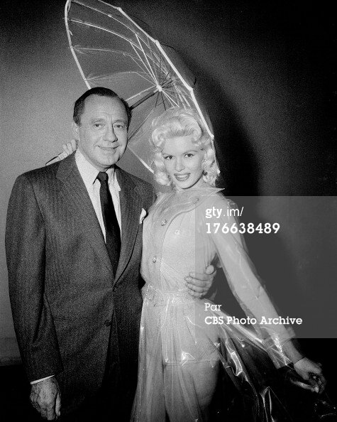 jayne-1956-12-30-TV_show-cbs-with_jack_benny-3