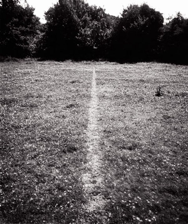 77. Richard LONG, A line made by walking, 1967.