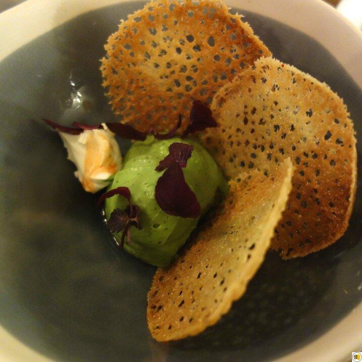 Guacamole & tuile au piment d'Espelette