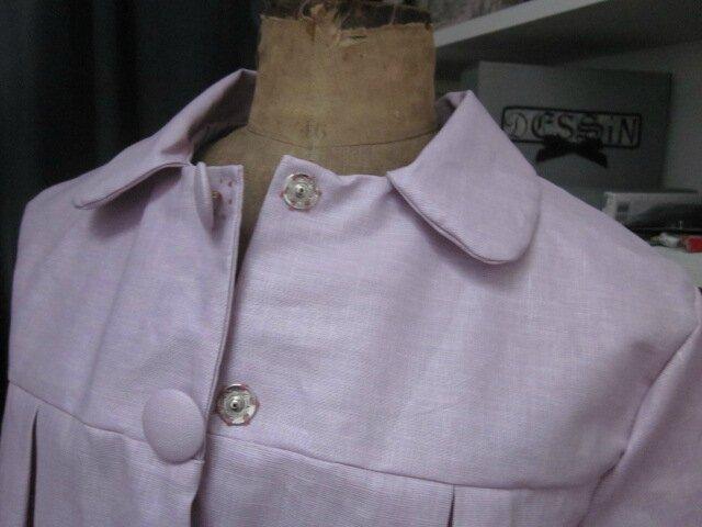 Ciré AGLAE en lin enduit rose-parme fermé par 2 pressions dissimulés sous 2 boutons recouverts (4)
