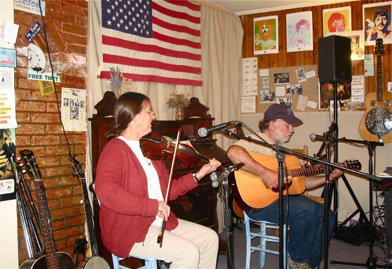 Wayne Henderson et Helen White invités par Mary-Lou
