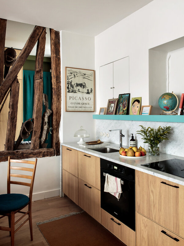 camille-hermand-customized-ikea-kitchen-le-marais-paris-hervier-goluza-photo-3-1466x1955