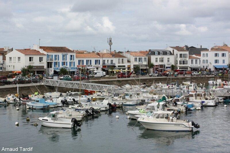 00523 Noirmoutier Juin 2020 - L'Ile d'Yeu - Port Joinville