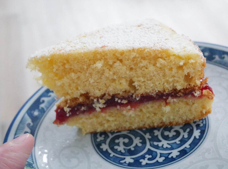Victoria sponge cake ©Kid Friendly