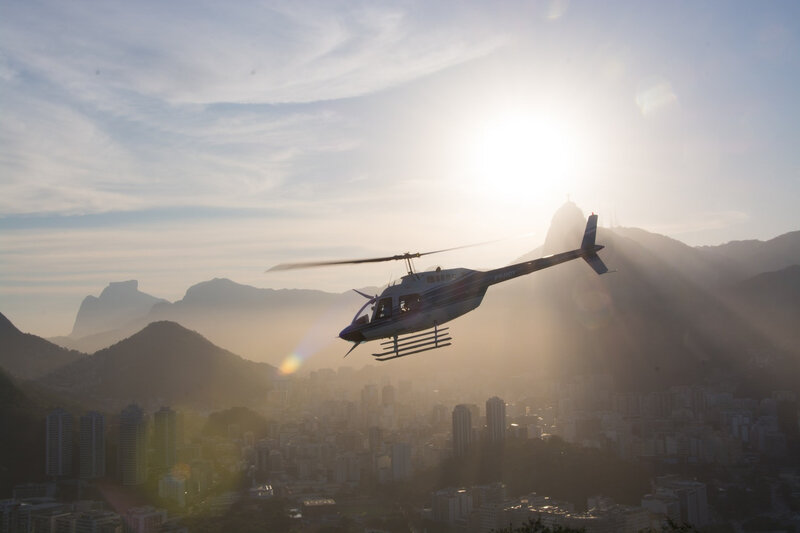 helicoptere photo-1466986334032-276c4d2b810b