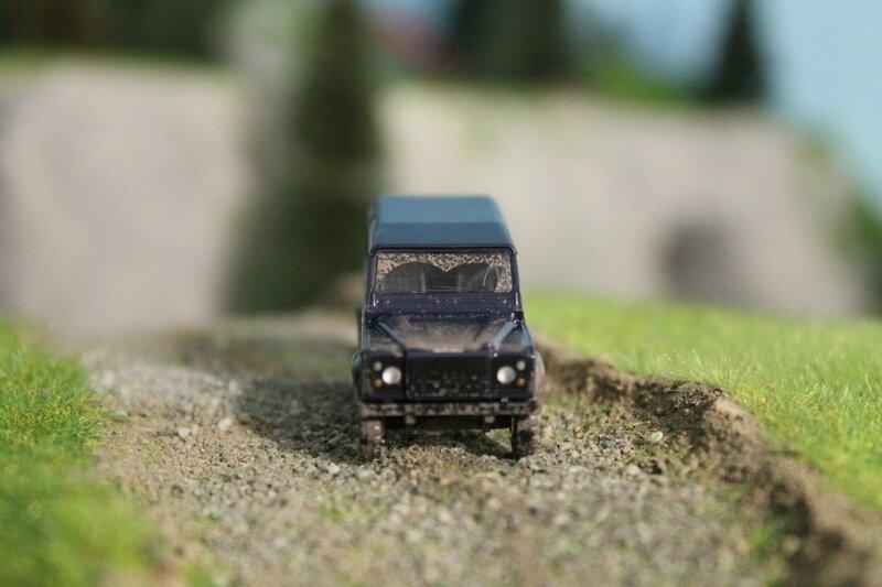 #50303-Land Rover Defender (4)