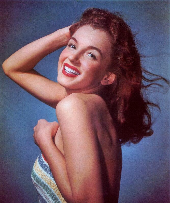 1946-studio-bath_towel-010-1-by_willinger-1HQ