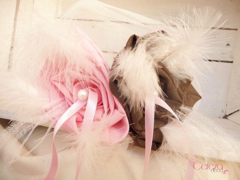 mariage rose chocolat ivoire porte alliance original plumes perle coussin cereza deco 1