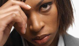 femme_noire_triste