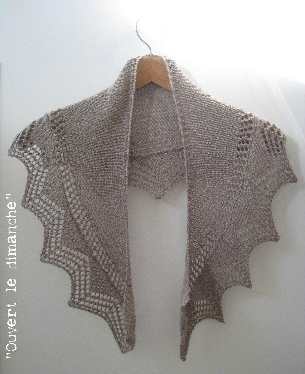 Cassis shawlette 1