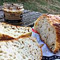 repas du soir : pain et bon paté