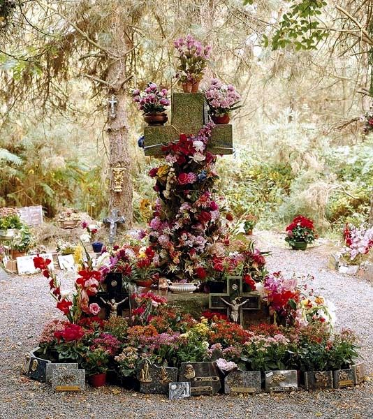 Teillay,Forêt Domainiale, tombe de Sainte Pataude