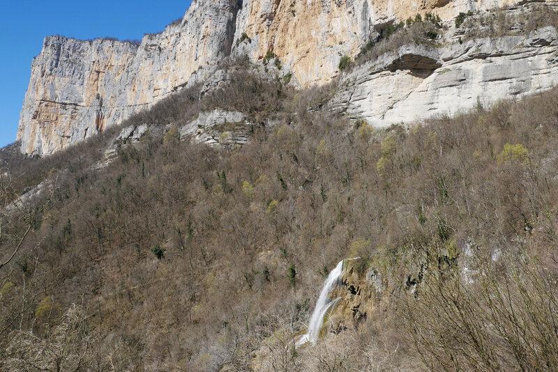 cascade et falaise de Presle....