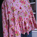 Blouse CERISE en coton rose imprimé fleurs et oiseaux rose-vert-jaune (7)