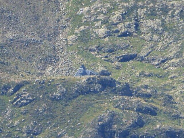 zoom sur le refuge du Pinet