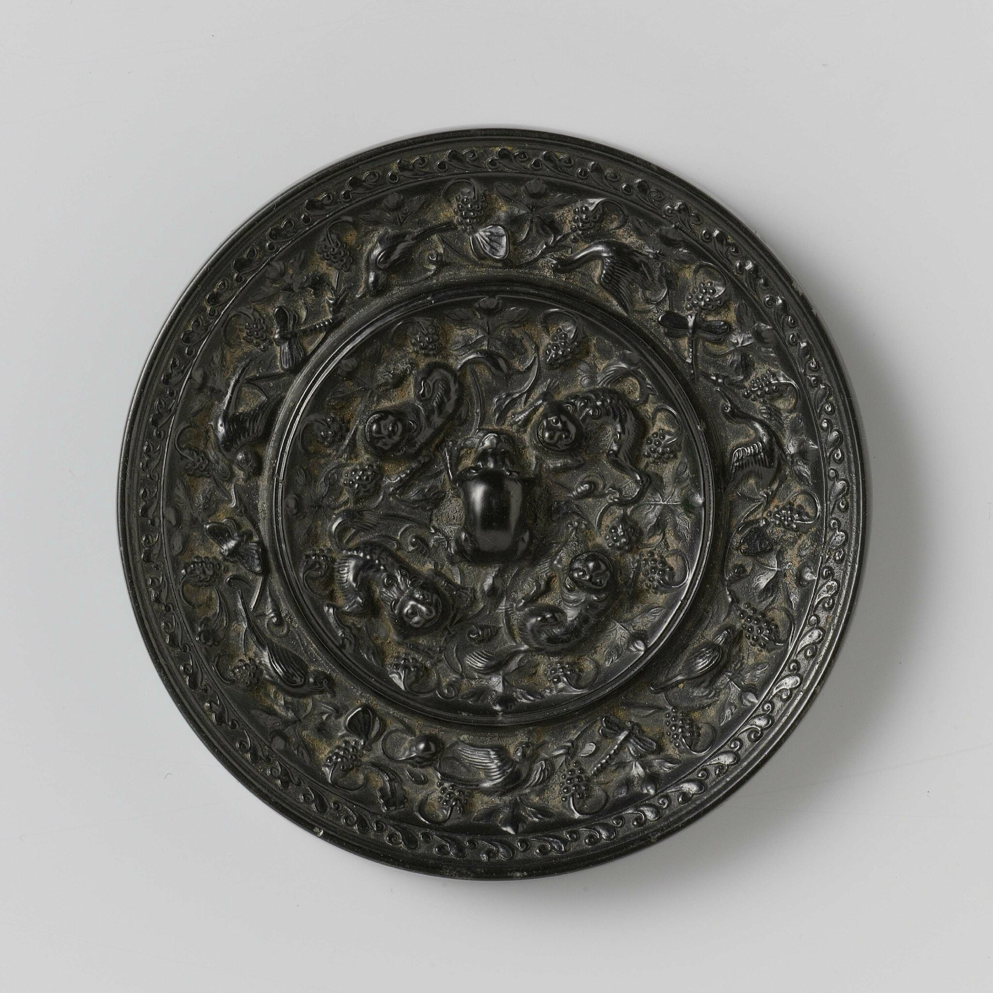 Bronze mirror, Tang dynasty (618 - 906)
