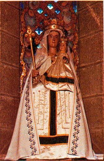 Quitin, Basilique Notre Dame de Démivrance, statue de Notre Dame