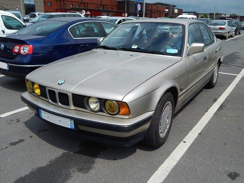 BMW520iE34av1