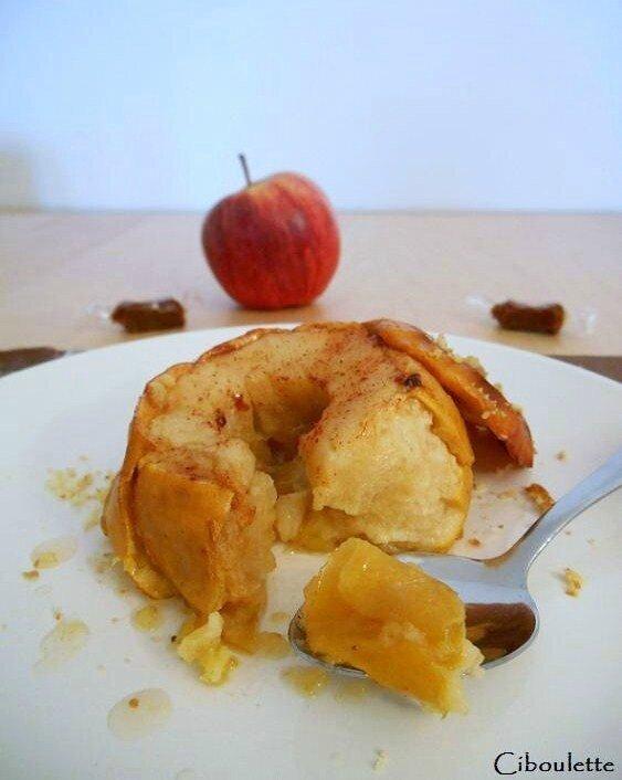 Pommes rôties au beurre demi-sel, sirop de caramel & palets bretons