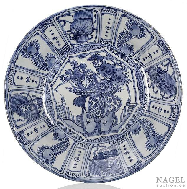 A deep blue and white kraak porcelain plate, China, Wanli period