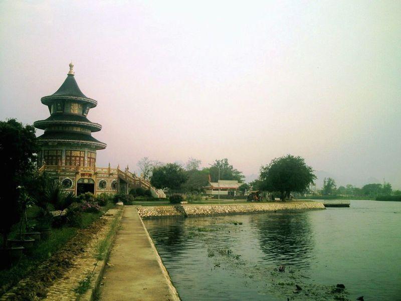 Kanchanaburi Temple chinois