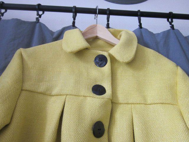 Manteau d'été bicolore en lin jaune et marine (7)