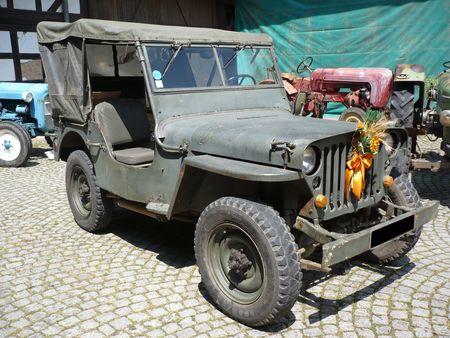HOTCHKISS_Jeep_M201_Handschuheim__1_