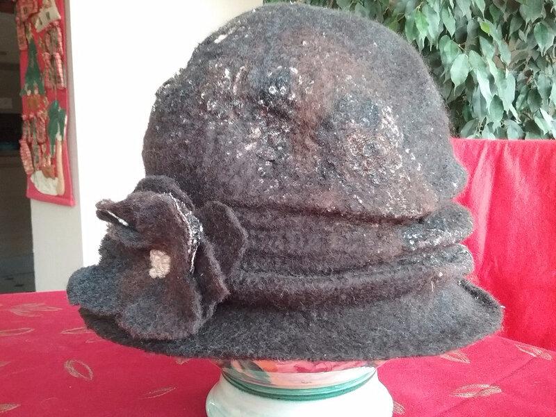 chapeau a