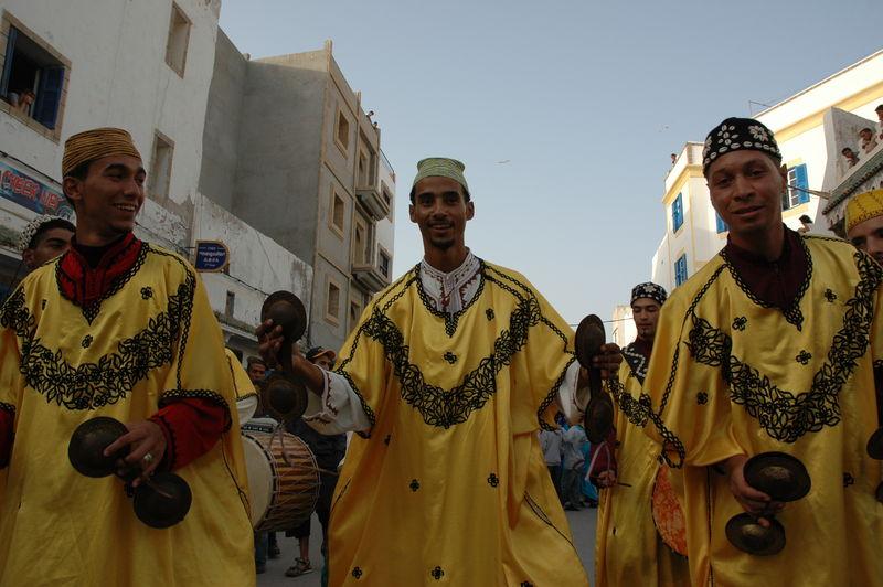 Parade d'ouverture du festival Gnaoua d' Es saouira
