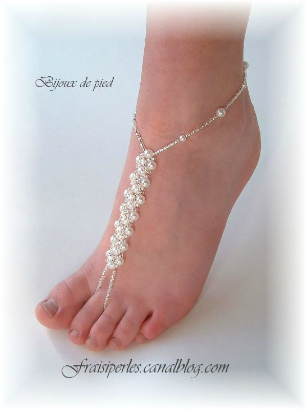 Bijoux de pied en perles satinées
