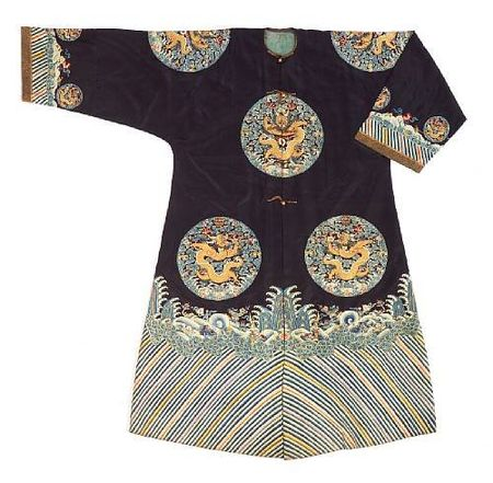 A_Manchu_noblewoman_s_embroidered_midnight_blue_surcoat__longgua_