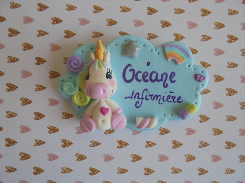 badge infirmière licorne assise