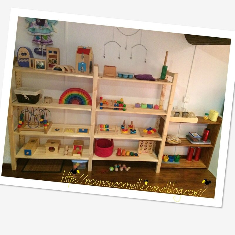 R am nagement chez nounou corneille for Montessori kinderzimmer