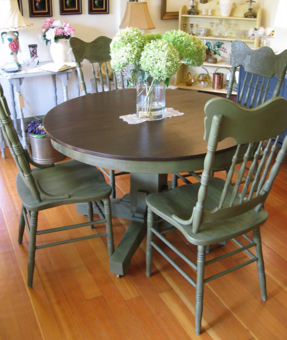 painted-table-and-chairs-from-serendipity-vintage-furnishings