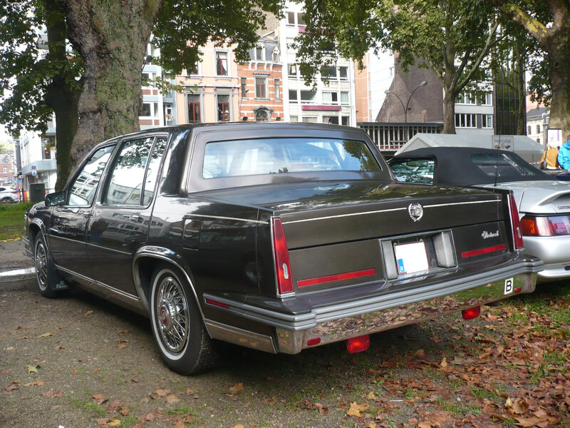 CADILLAC Fleetwood d'Elegance 4door Sedan Liège (2)