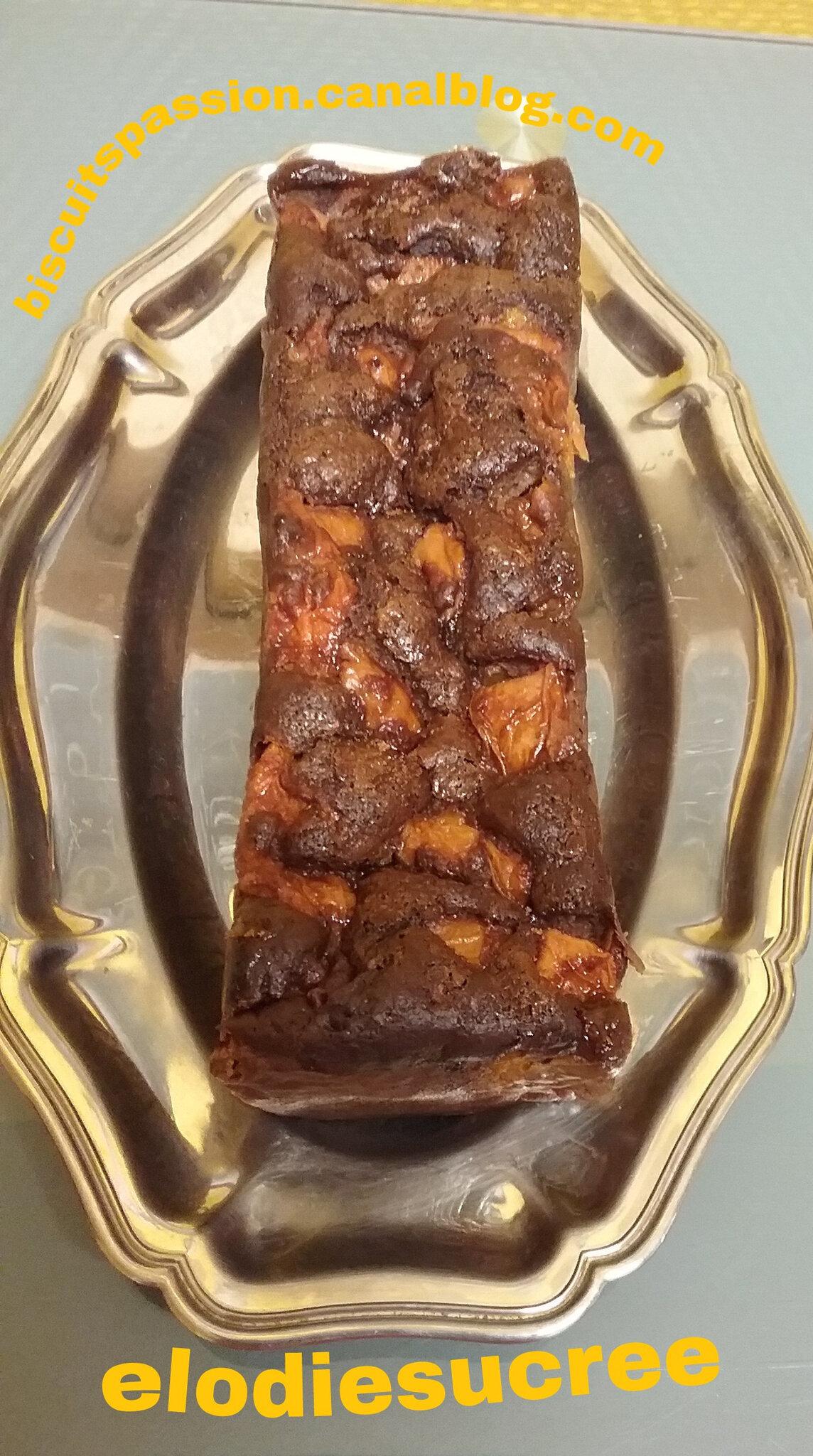 Cake au tofou soyeux , chocolat abricots ( sans beurre )