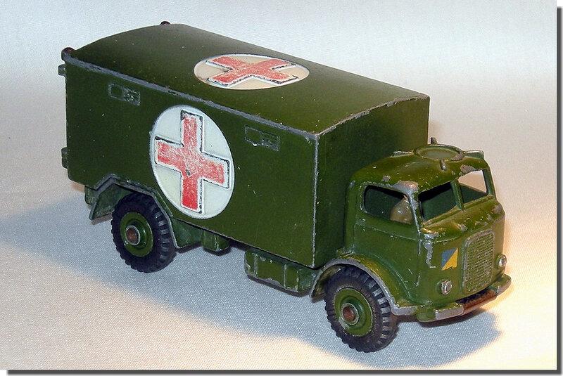 Dinky Toys 626 Ambulance A 1