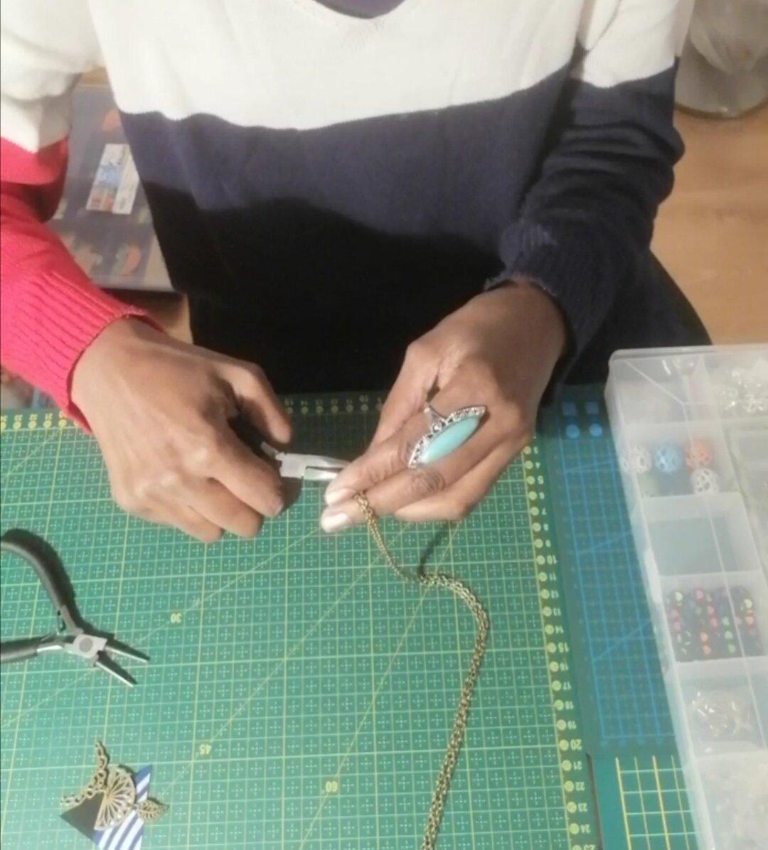 Bijoux de créatrice, faits à la main avec beaucoup d'amour! Entrez dans le monde chic et tendance des bijoux B-DeniseJewelry
