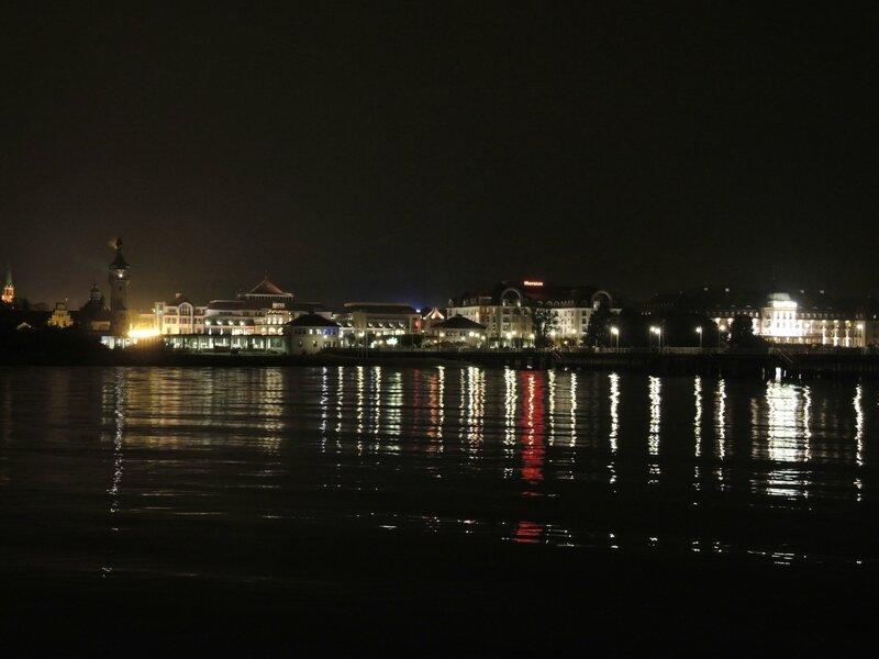 Sopot, la jetée de nuit, vue sur la ville