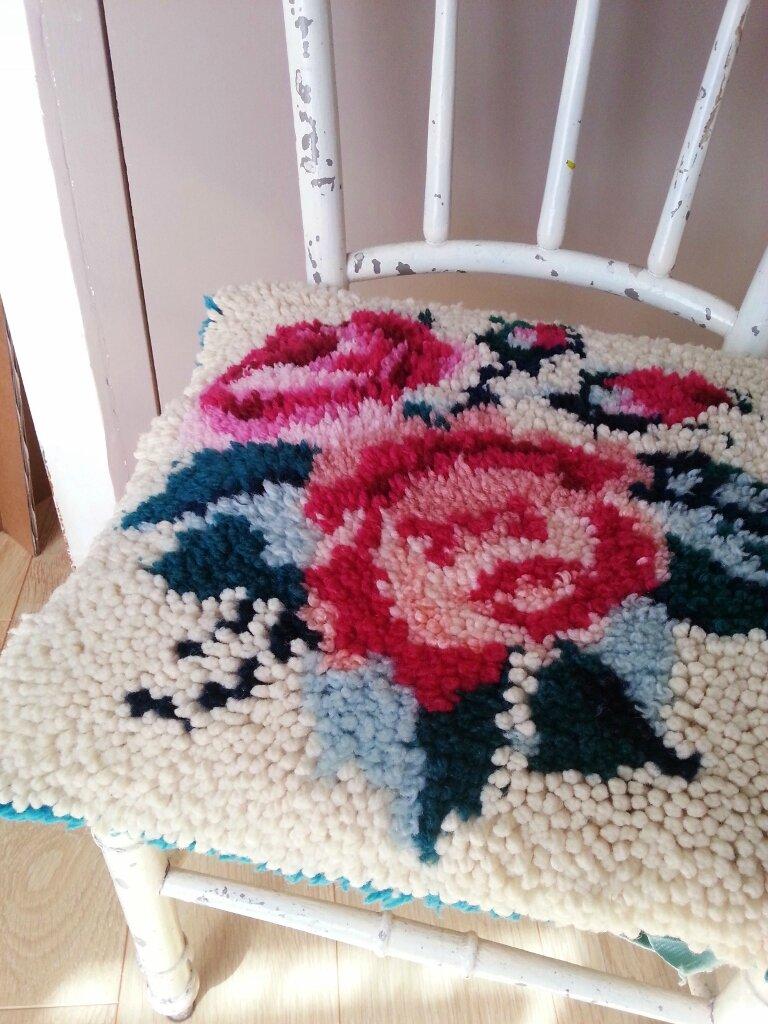 Coussin en laine vintage Roses