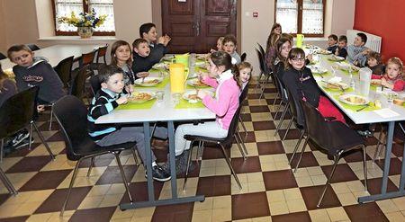VISITE GEORGE PAU-LANGEVIN ANY restauration scolaire