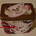 Boîte cuivre pour offrir du thé, décoration tasse et théïère