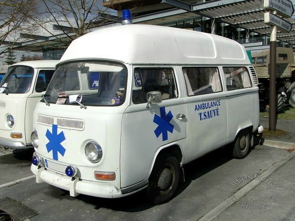 VW Combi Ambulance 1967 1971 3