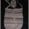 Mini baluchon en coton / laine crochetée