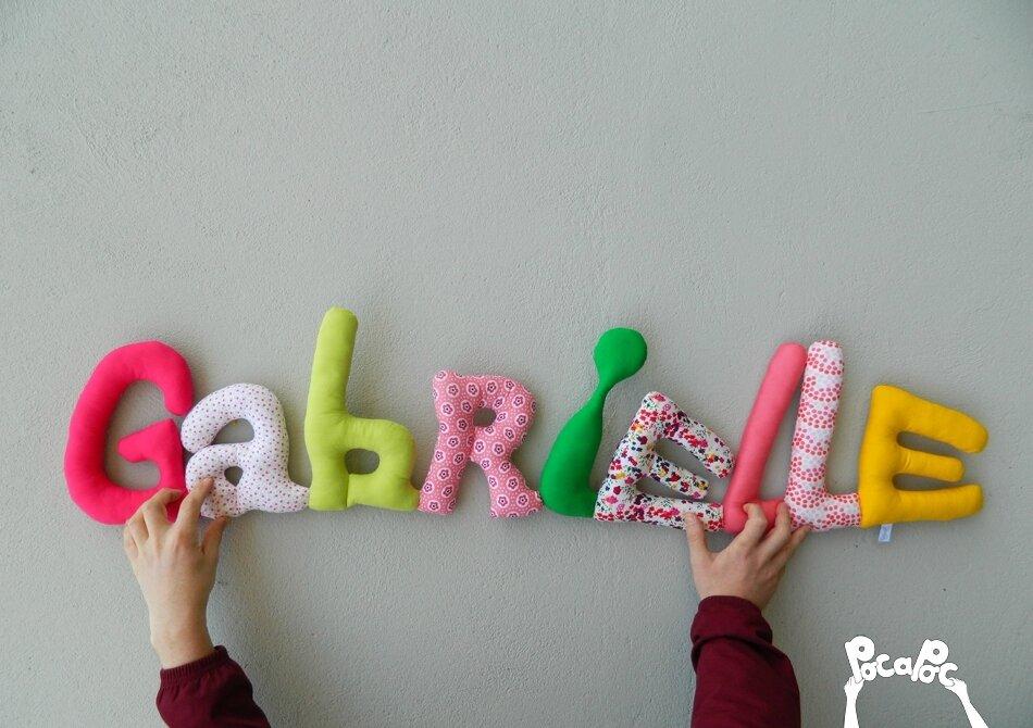gabrielle mot en tissu,mot decoratif,cadeau de naissance,decoration chambre d'enfant,cadeau personnalise,cadeau original,poc a poc blog 2