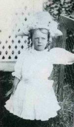 1906-gladys-4ans