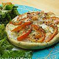 Tarte fine tomates-mozzarella aux herbes de provences (pâte brisée à l'huile d'olive)