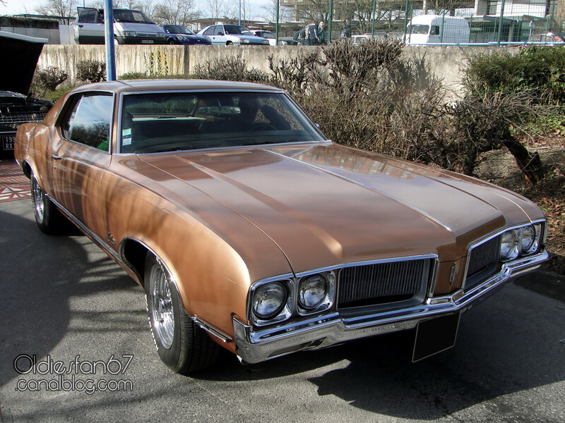 oldsmobile-cutlass-supreme-holiday-coupe-1970-01