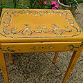 Table jaune