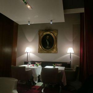L'Hôtel de Sers Salle de restaurant J&W